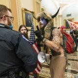 Vikingo detenido en asalto al Capitolio de EEUU